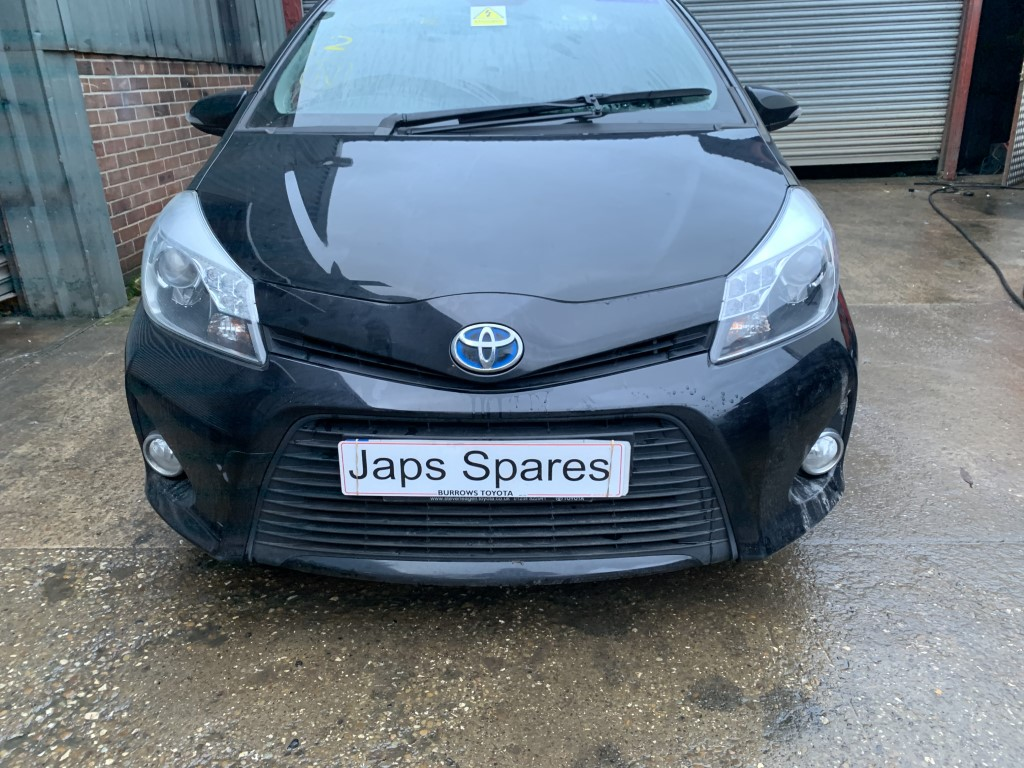 REF 163 TOYOTA YARIS MK3 1.5 HYBRID PETROL ICON PLUS 2014 COLOUR TRIM 209