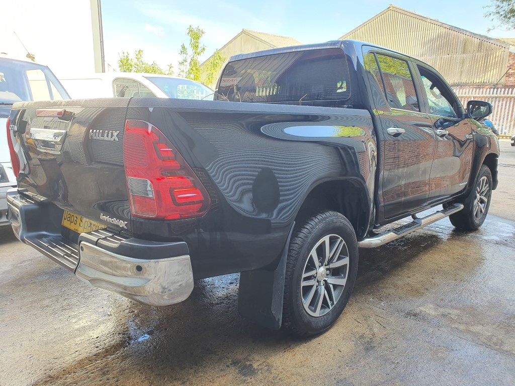 Ref 179 TOYOTA HILUX DCB INVINCIBLE X 2018 2393CC 6 SPEED AUTO