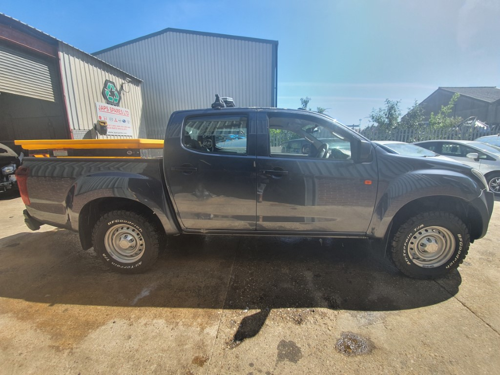 REF 180 ISUZU D-MAX DCB PU5 2019 1898CC D 6 SPEED GREY