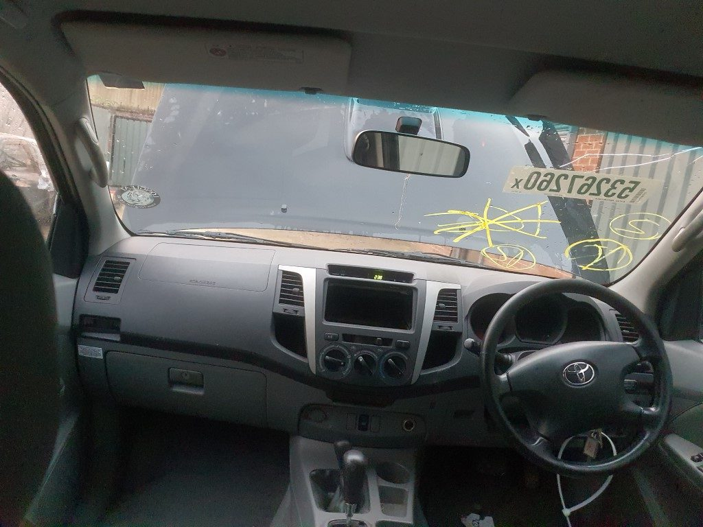 REF 201 TOYOTA HILUX INVINCIBLE 4X4 2007 3.0D4D 4 SPEED AUTO