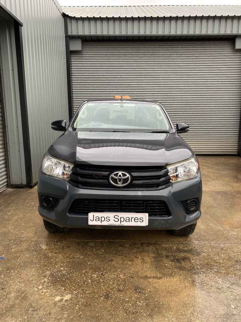 REF 206 TOYOTA HILUX ACTIVE 4WD 2.4 2018 6 SPEED MANUAL