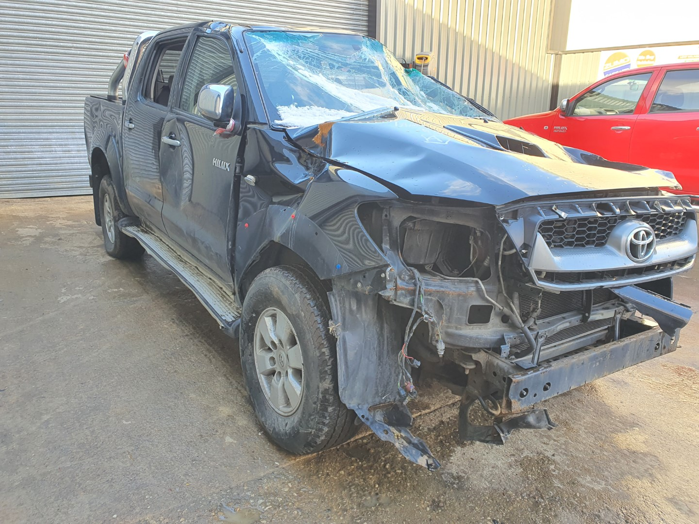 REF 207 TOYOTA HILUX HL3 DCB 2010 2.5D4D 5 SPEED MANUAL