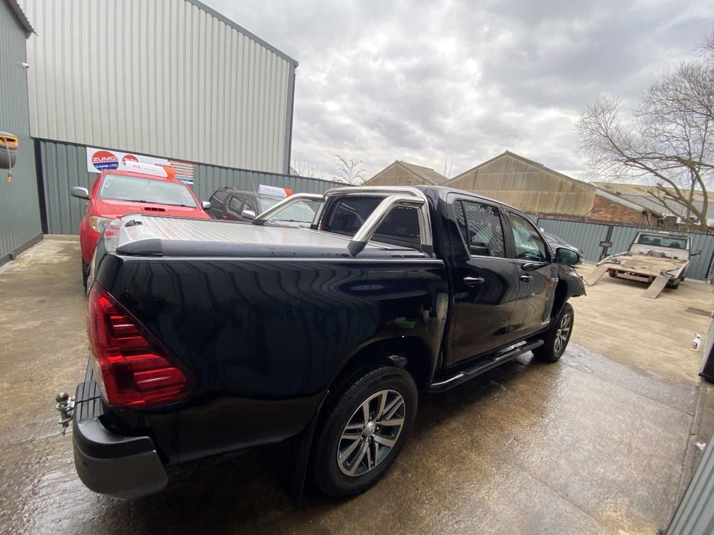 REF 209 TOYOTA HILUX INVINCIBLE X 4WD D4D 2019 6 SPEED AUTO