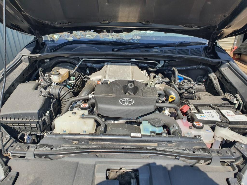 REF 216 TOYOTA HILUX INVINCIBLE 4WD  2019 2393CC 146.9BHP