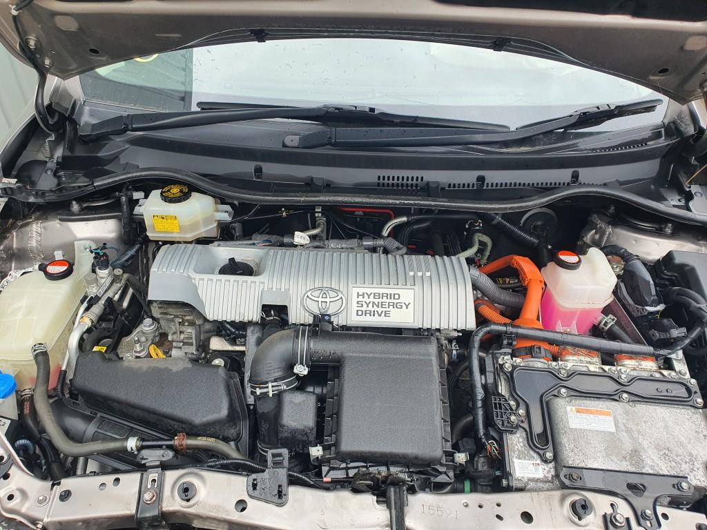 REF 223 TOYOTA AURIS ESTATE MK2  2014 1.8 PETROL/HYBRID AUTO
